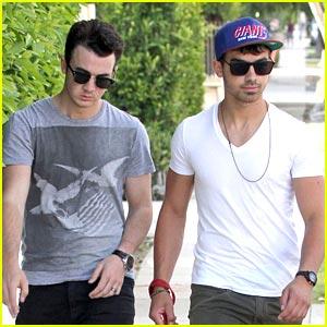 Joe & Kevin Jonas Walk Winston
