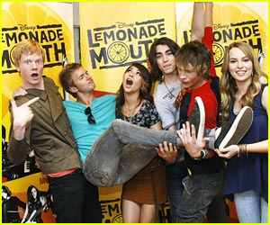 Lemonade Mouth Takes Over Downtown Disney!
