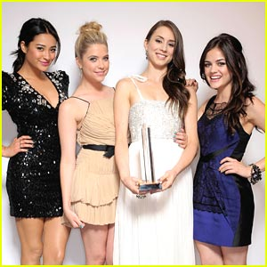Pretty Little Liars: Cast To Watch at Young Hollywood Awards!