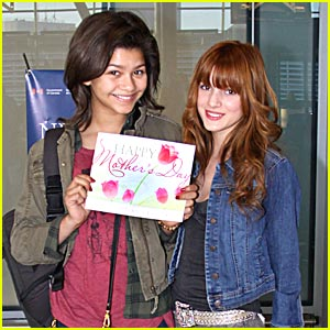 Zendaya & Bella Thorne: Happy Mother's Day!
