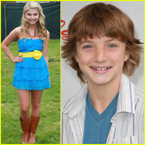 Jake Short & Stefanie Scott: A.N.T. Farm Theme Song!