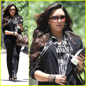 Demi Lovato: Lunchtime Lady