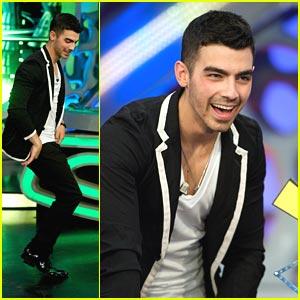 Joe Jonas Hits Up 'El Hormiguero'