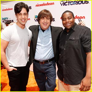 Josh Peck: 'iParty' with Kenan Thompson!
