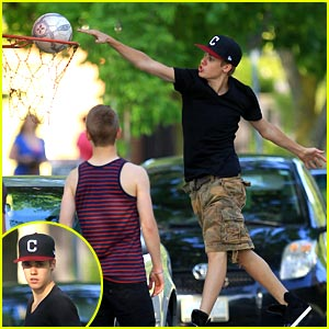 Justin Bieber: Basketball Boy