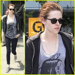Kristen Stewart Makes Believe