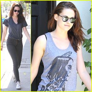 Kristen Stewart Donates Kicks For A Cause