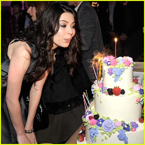 Miranda Cosgrove: Siren Studios Birthday Celebration!