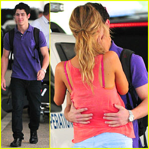 Nick Jonas Kisses Delta Goodrem at LAX!