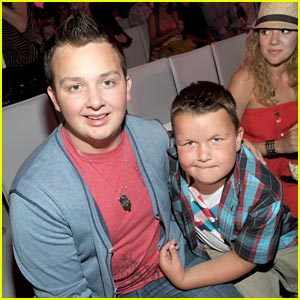 Noah Munck: 'iParty' with Brother Ethan!