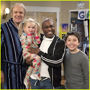 Phill Lewis Directs 'Good Luck Charlie'