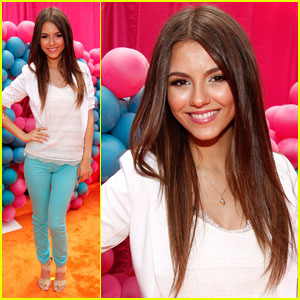 Victoria Justice: 'iParty with Victorious' Premiere!