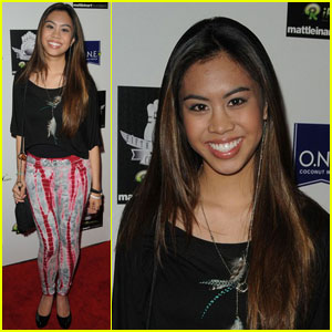 Ashley Argota: Celebrity Bowl Beauty