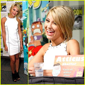 Chelsea Kane: 'Fish Hooks' at Comic-Con!