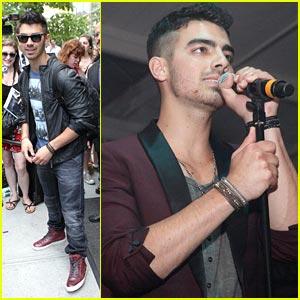Joe Jonas: Paper Mag Concert Performer