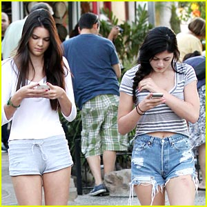 Kendall & Kylie Jenner Pick Up Sticks