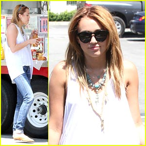 Miley Cyrus: Food Truck Treat