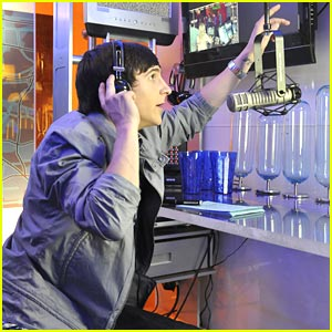 Mitchel Musso: Take A Peek at 'PrankStars'!
