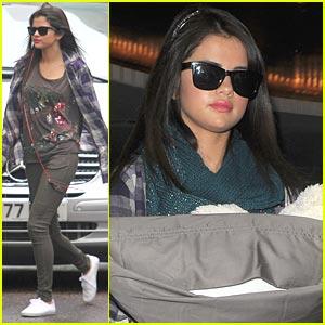 Selena Gomez: Daybreak Darlin'