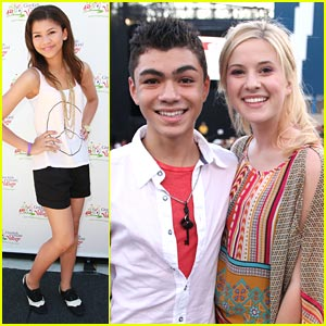 Zendaya & Caroline Sunshine Have 'Ice Cream for Breakfast'