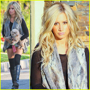 Ashley Tisdale: Dinner with Robbie Jones!