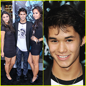 Booboo Stewart: 'Final Destination 5' Screening With Sisters!
