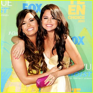 Demi Lovato: Reunion with Selena Gomez at the Teen Choice Awards!