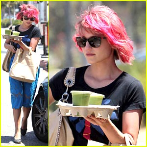 Dianna Agron: Eye-Popping Pink Hair is Back!