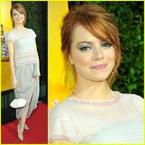 Emma Stone Premieres 'The Help'