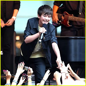 Greyson Chance: FOX & Friends Performance!