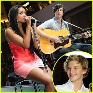 Jessica Jarrell & Cody Simpson: Pastry Performances in Vegas!