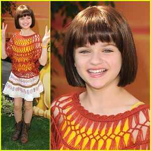 Joey King: 'The Lion King' Premiere!