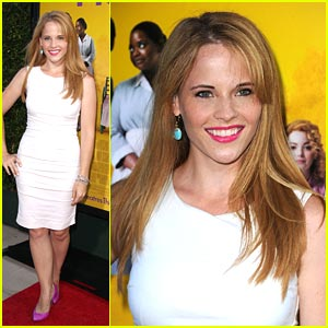 Katie Leclerc: Hottie at 'The Help' Premiere