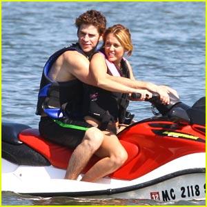 Miley Cyrus & Liam Hemsworth Love Orchard Lake