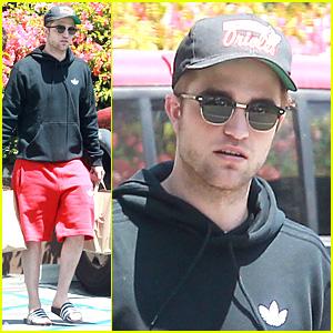 Robert Pattinson: Groceries Guy!