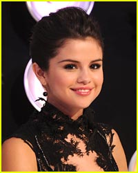 Steal Selena Gomez' MTV VMA Beauty Look