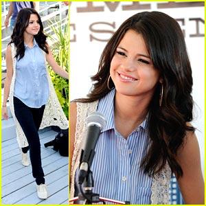 Selena Gomez Announces Canadian Tour!