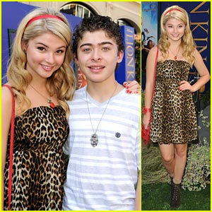 Stefanie Scott & Ryan Ochoa: 'The Lion King' Premiere!