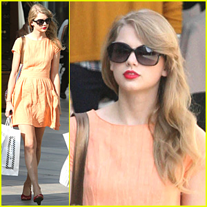 Taylor Swift: Pretty in Peach