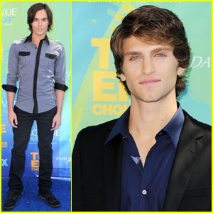 Tyler Blackburn & Keegan Allen - Teen Choice Awards 2011