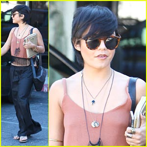 Vanessa Hudgens: Mare'ka Lunch Time