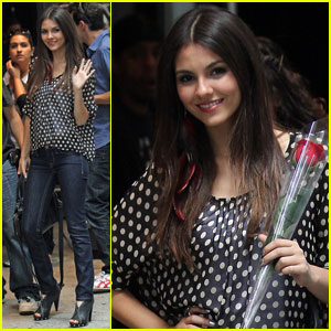 Victoria Justice 'Dots' Up New York City