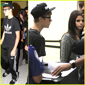 Justin Bieber & Selena Gomez: LAX Airport Arrival!