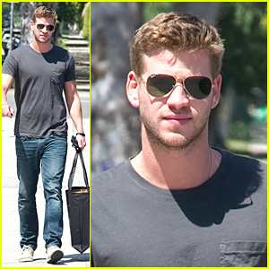 Liam Hemsworth: Tony K Shoe Shopper!