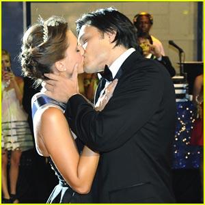 Alexandra Chando & Blair Redford: Homecoming Kiss!