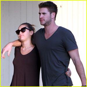 Miley Cyrus & Liam Hemsworth: Lava Lamp Lovers