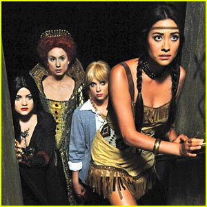 Pretty Little Liars: First Look Halloween Pic!