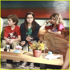 Sarah Hyland: Modern Family Season Premiere Pics!