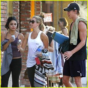 Vanessa Hudgens & Ashley Tisdale: Workout with Austin Butler!