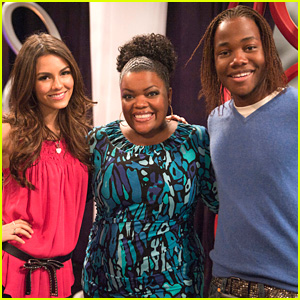 Yvette Nicole Brown Guest Stars on 'Victorious'